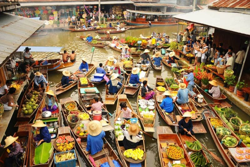 My Tho floating market